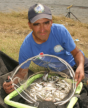 Italy's Ferruccio Gabba produced an outstanding performnce in D section and in the face of a strong breeze, managed to haul out an impressive 605 fish, most of which were bleak, to take the section and help promote his team into the silver medal position.